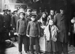 Photograph of Dutch immigrants, city of Qu&#233;bec, circa 1911