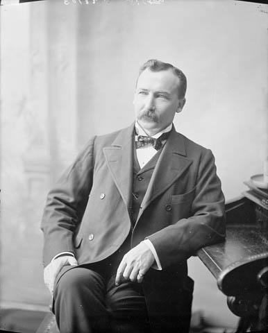 Photograph: Hon. Clifford Sifton, M.P. Brandon, Man., Minister of the Interior; Ottawa, Ont., 1900