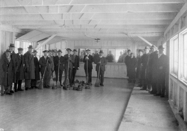 Match de curling entre les Montreal Thistles et l'équipe de Buckingham, 1927