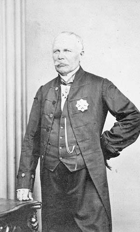 Photo : Sir Étienne-Paschal Taché