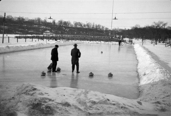 Piste de curling, à Riverdale, Toronto, 1929