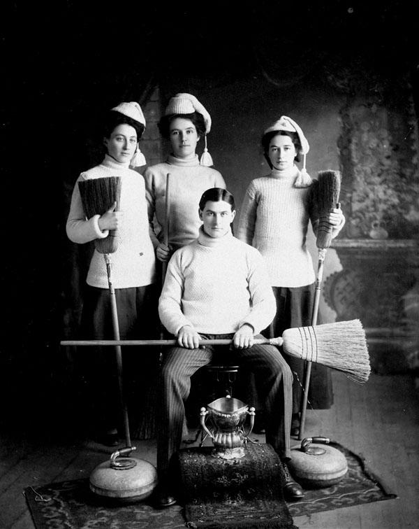 Curling team, Grenfell, N.W.T.