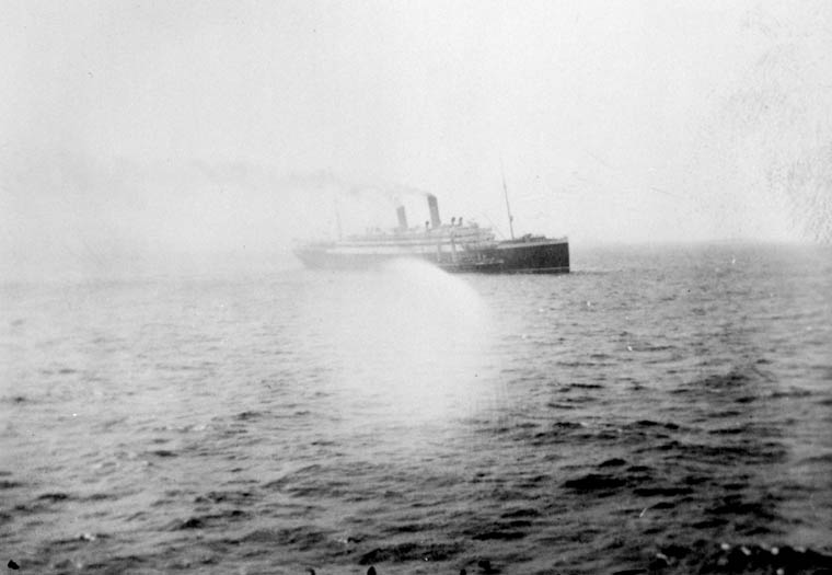 Photograph of the EMPRESS OF IRELAND at sea, 1908