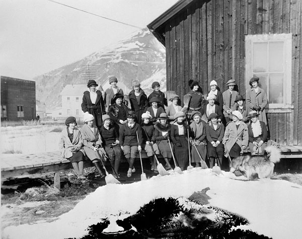 Groupe de curleurs à Dawson (Yukon)