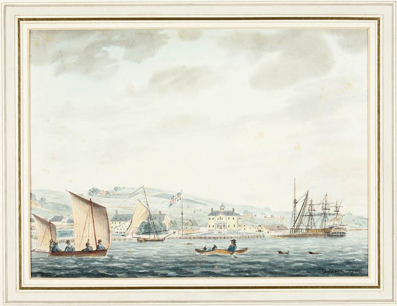 Aquarelle sur papier vélin de la côte d'Halifax, avec au premier plan, plusieurs bateaux voguant sur l'eau. On aperçoit en arrière-plan les bâtiments du chantier naval, et un peu plus loin, des collines surplombées d'un ciel nuageux.