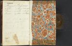 Dernière page et couverture arrière intérieure d'un journal en cuir rouge ayant appartenu au père de JohnA.Macdonald, HughMacdonald, dans lequel figure une inscription manuscrite à la dernière page indiquant la date de naissance de John; une mèche de cheveux a été collée à l'intérieur de la couverture arrière, 1820