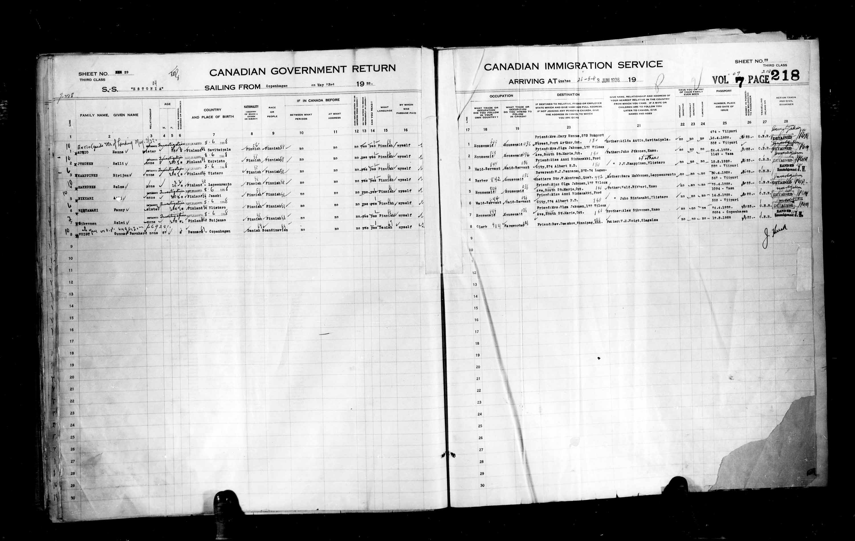 Title: Passenger Lists: Quebec City (1925-1935) - Mikan Number: 134839 - Microform: t-14742