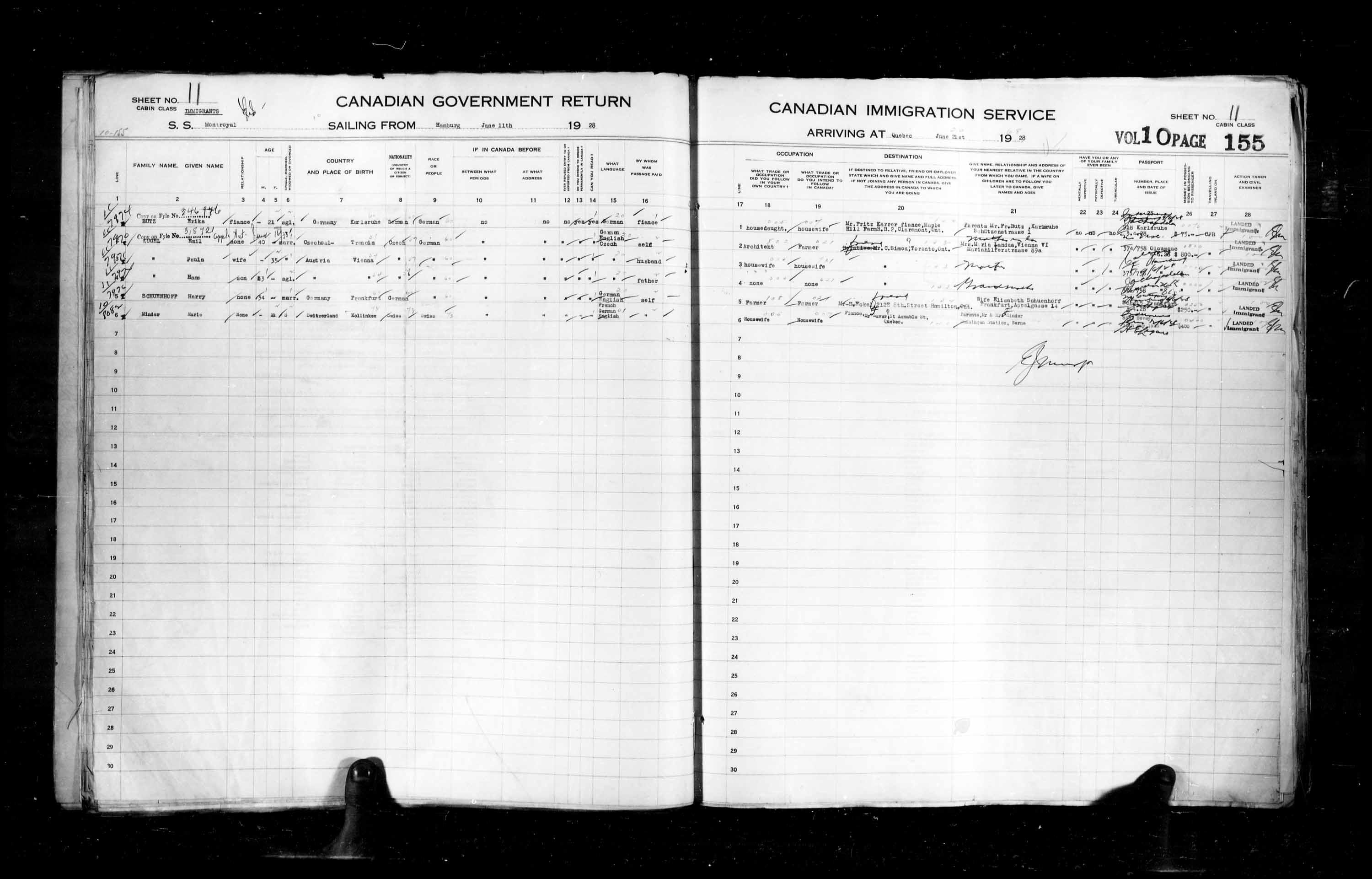 Title: Passenger Lists: Quebec City (1925-1935) - Mikan Number: 134839 - Microform: t-14743