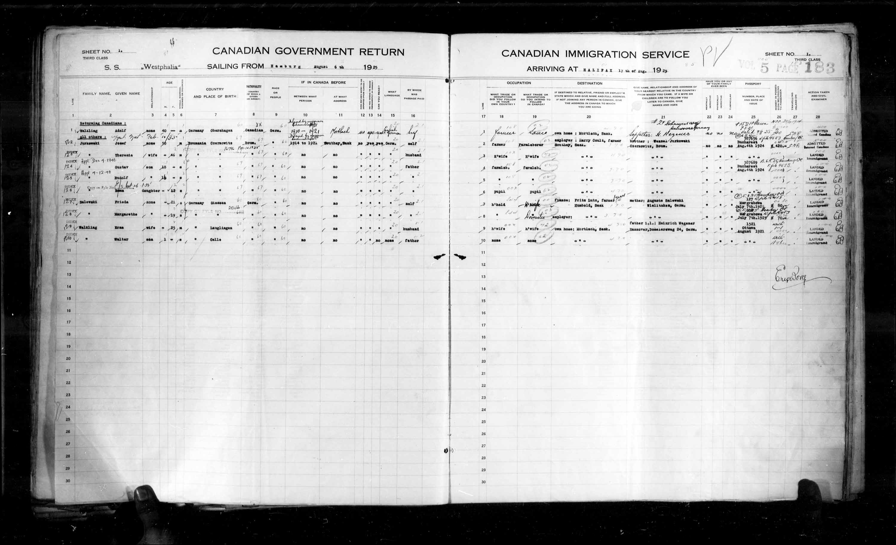 Title: Passenger Lists: Halifax (1925-1935) - Mikan Number: 134853 - Microform: t-14802