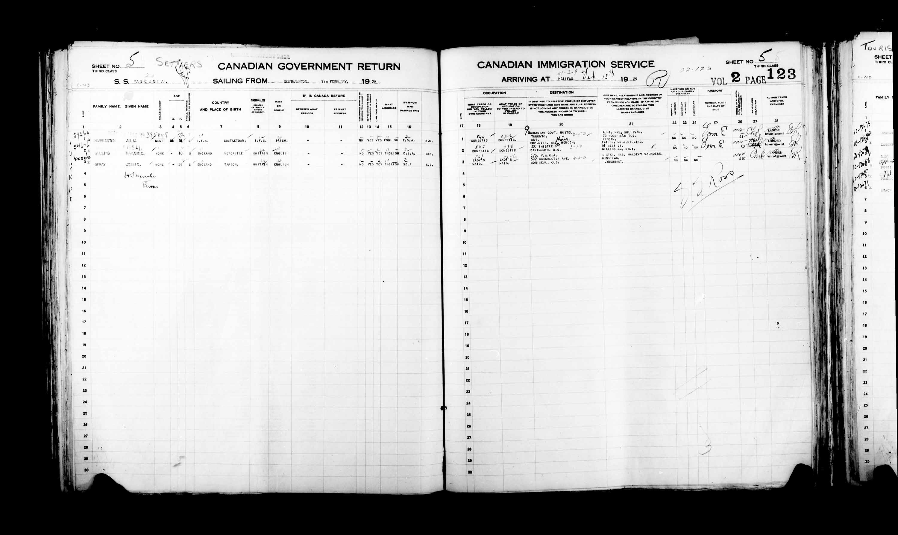 Title: Passenger Lists: Halifax (1925-1935) - Mikan Number: 134853 - Microform: t-14817