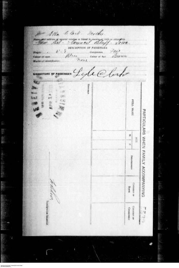 Title: Border Entry, Form 30, 1919-1924 - Mikan Number: 161377 - Microform: t-15266