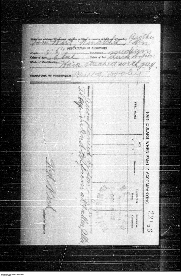 Title: Border Entry, Form 30, 1919-1924 - Mikan Number: 161377 - Microform: t-15274