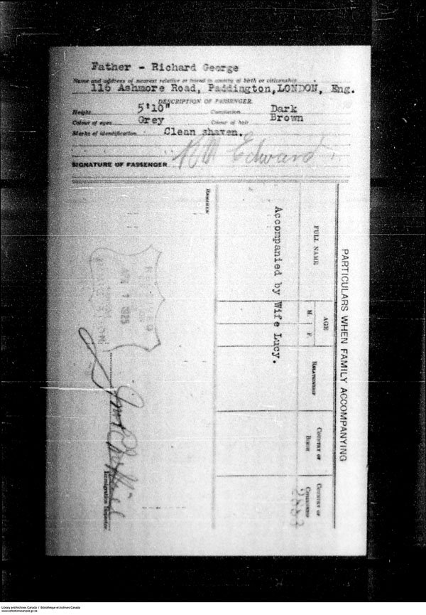 Title: Border Entry, Form 30, 1919-1924 - Mikan Number: 161377 - Microform: t-15275