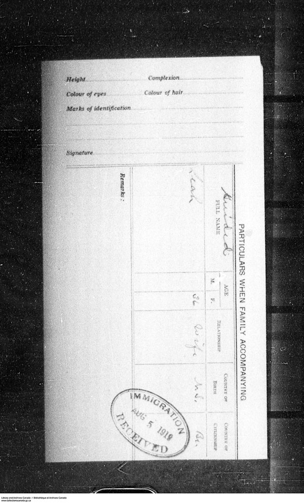 Title: Border Entry, Form 30, 1919-1924 - Mikan Number: 161377 - Microform: t-15287