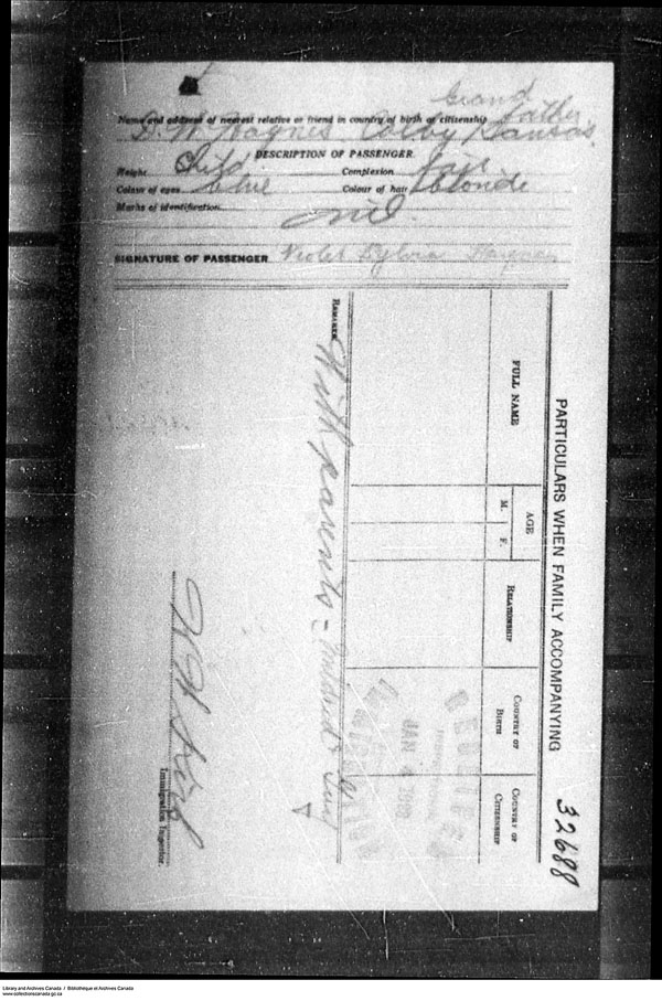 Title: Border Entry, Form 30, 1919-1924 - Mikan Number: 161377 - Microform: t-15288