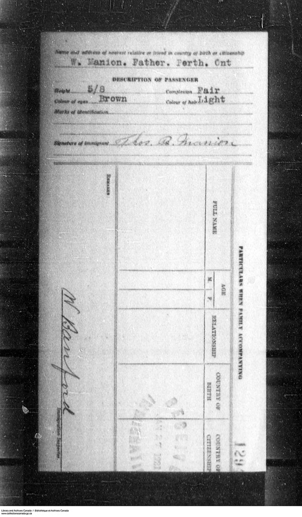 Title: Border Entry, Form 30, 1919-1924 - Mikan Number: 161377 - Microform: t-15304